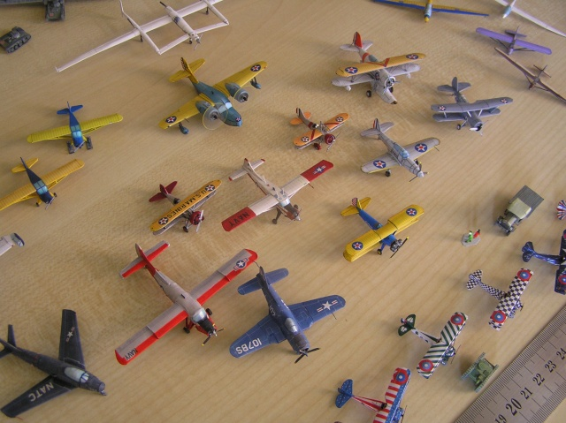 Now 200 aircraft paper models in 1/200 for my museum