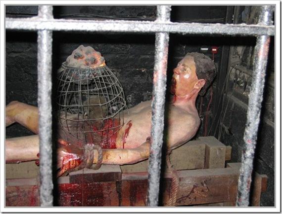 [ هام ] ابشع طرق التعذيب على مر العصور hosama14.jpg