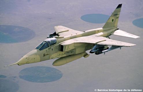 l 39 avion militaire jaguar sepecat jaguar soci t europ enne de production de l 39 avion ecole de. Black Bedroom Furniture Sets. Home Design Ideas