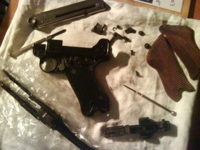 Disassembly luger p08