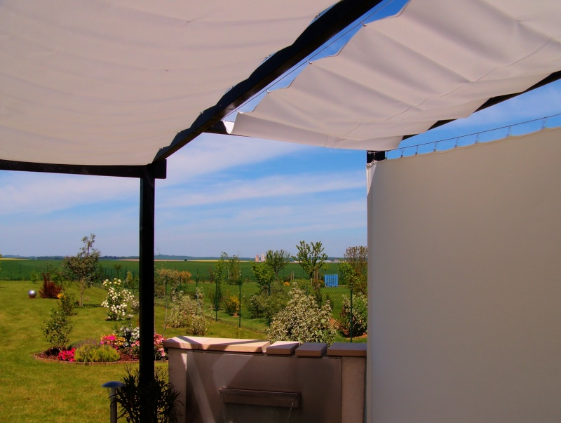 Toile d 39 ombrage sur ma terrasse bois - Toile d ombrage pour terrasse ...