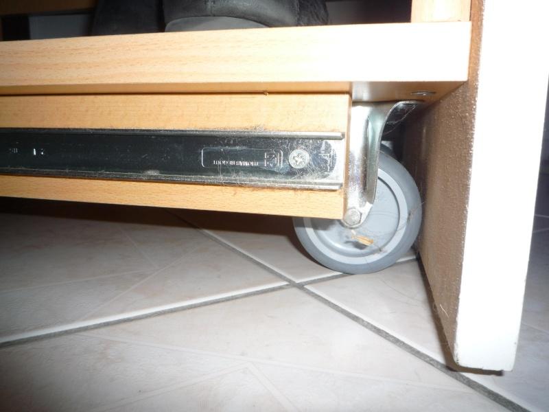 am nager sous un escalier coco et bricolos question. Black Bedroom Furniture Sets. Home Design Ideas