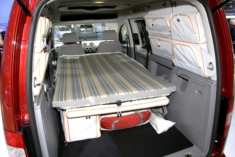 auf vw caddy kombi kurzer oder langer radstand images frompo. Black Bedroom Furniture Sets. Home Design Ideas