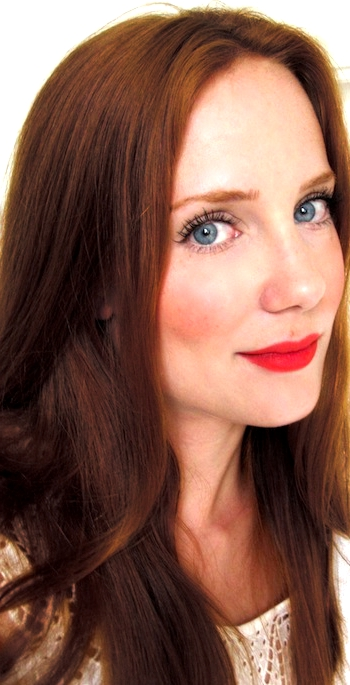 Simone Simons Natural Hair Color