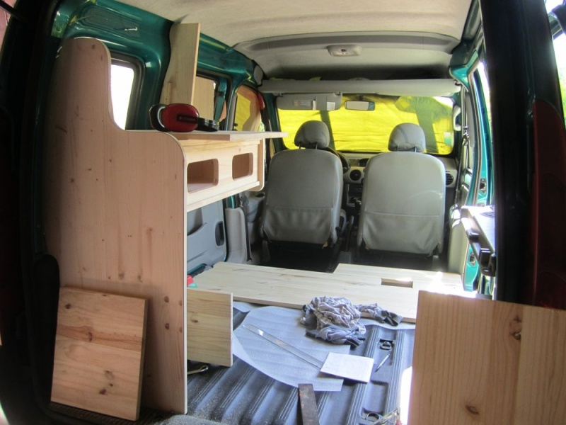 comment amenager un kangoo en camping car. Black Bedroom Furniture Sets. Home Design Ideas