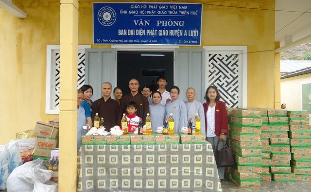 TT Huế: BĐD PG A Lưới tặng quà đồng bào Phật tử dân tộc Pà Cô